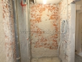 Вид санузла после завершения демонтажных работ