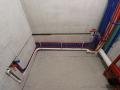 Сантехническая разводка водопроводных труб из сшитого полиэтилена и Сантехническая разводка водопроводных труб из сшитого полиэтилена и ПВХ канализации