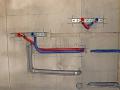 Разводка труб водоснабжения сшитым полиэтиленом Rehau